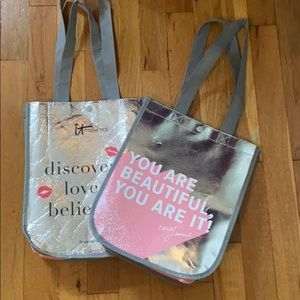It Cosmetics Bags SET OF TWO